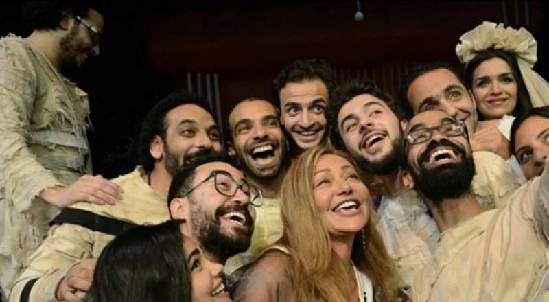 """ليلى علوي في عرض """"بعد الليل"""" برفقة ابنها خالد"""