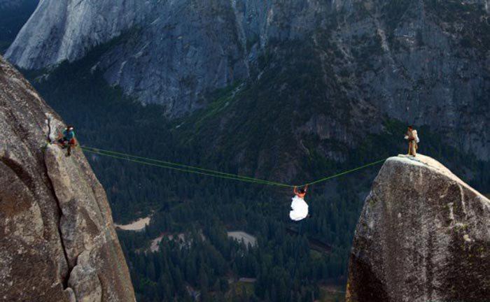 70500 صور حب رومانسية  , صور حفل زفاف في مرتفعات الموت